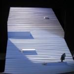 Ακαδημ. έτος 2003-2004. Σκηνικό του Josef Svoboda για τον Οιδίποδα Τύραννο του Σοφοκλή, σκηνοθεσία M. Machácek, Πράγα 1963.  Φοιτήτρια: Άννα Μάρη